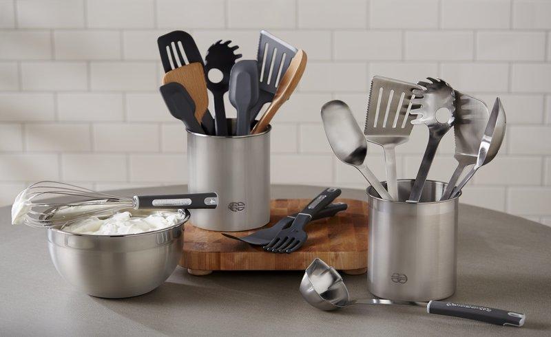 Membersihkan Peralatan Dapur dengan Garam